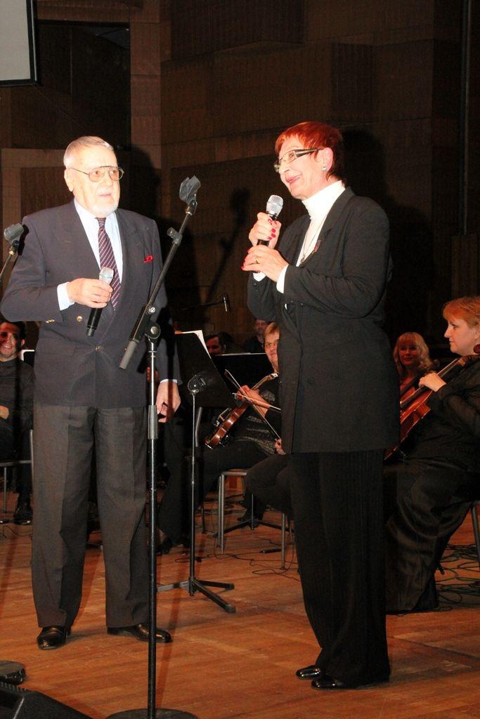 Dva pjevača pjevaju